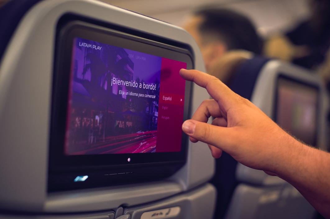 Acuerdo entre Lingokids y Latam ofrecen contenido para los niños en pleno vuelo