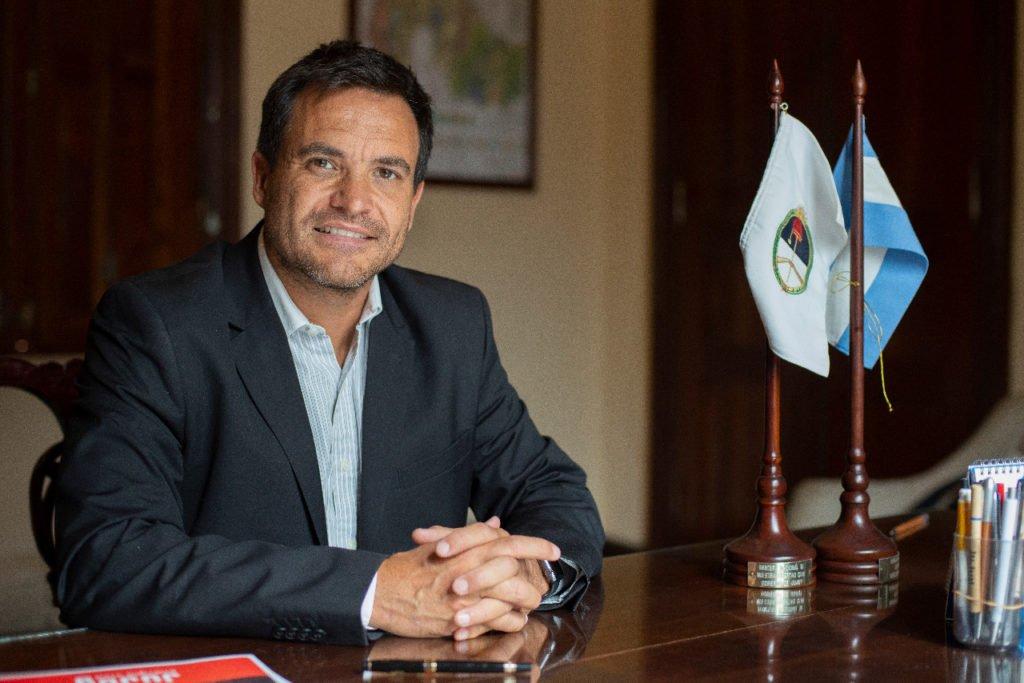 """Argentina- Ministro Posadas: """"Hay otras dos líneas aéreas interesadas en volar hacia Jujuy"""""""