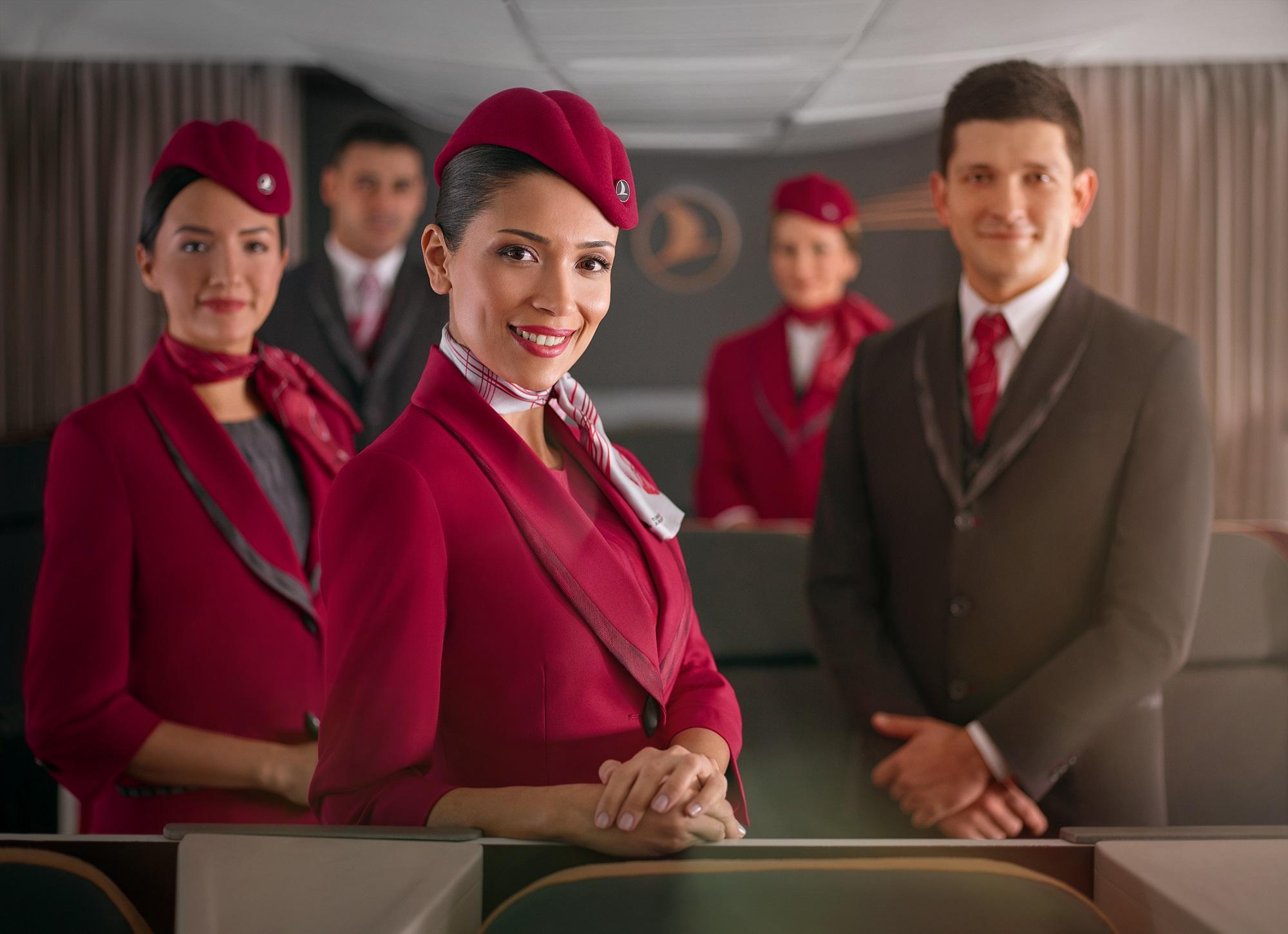 Turkish Airlines lanza nuevos uniformes para su tripulación de cabina