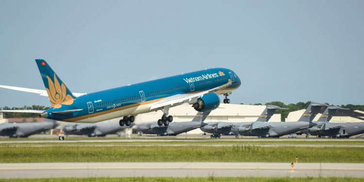 Vietnam Airlines recibe su primer Boeing 787-10 Dreamliner