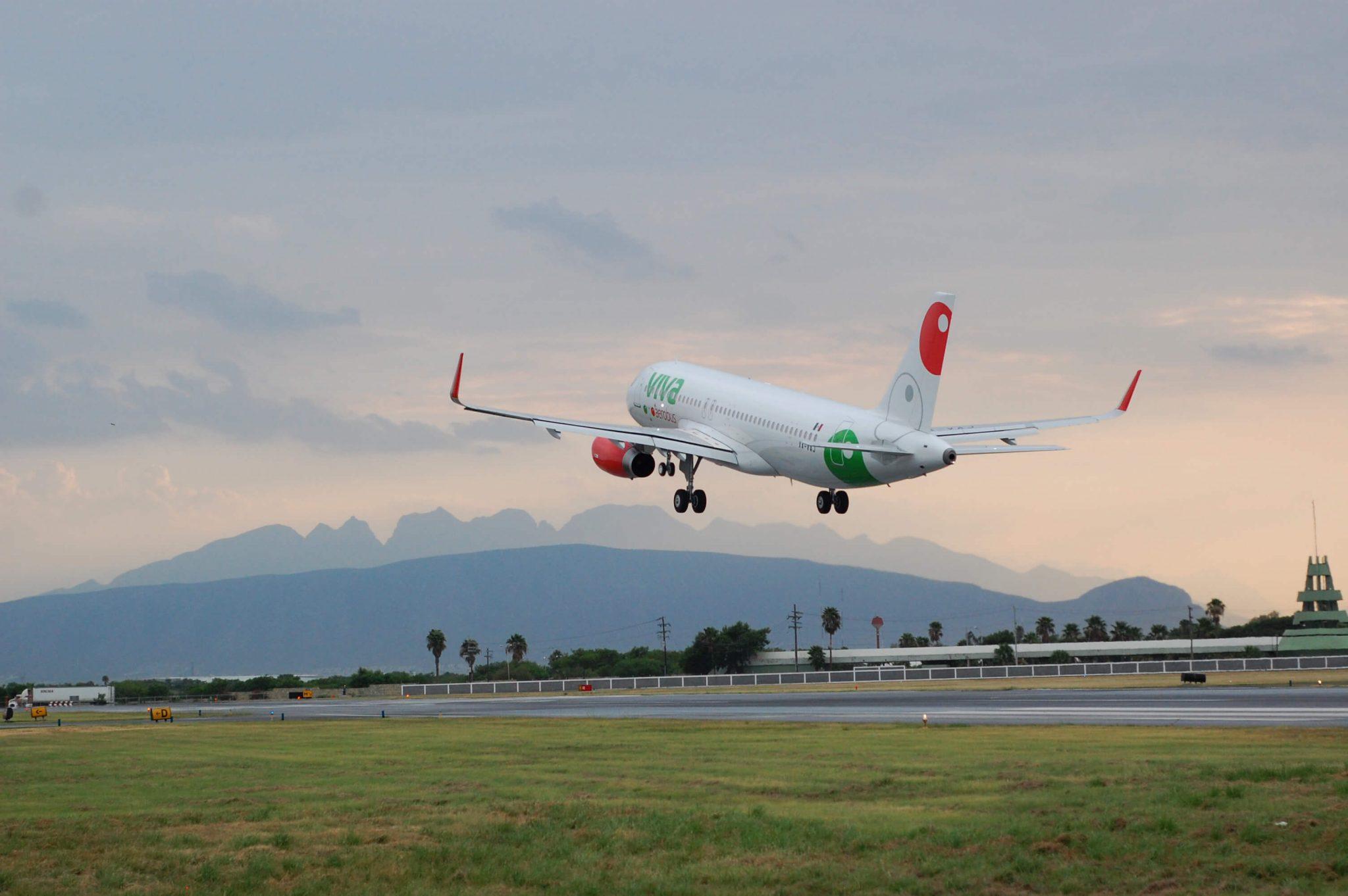 Destacan Viva y Volaris ventajas de rediseño de espacio aéreo; piden actualizaciones