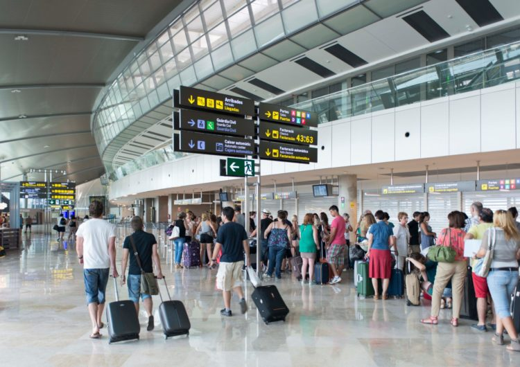 Aena registró en septiembre más de 27,1 millones de pasajeros, un 3,4% más