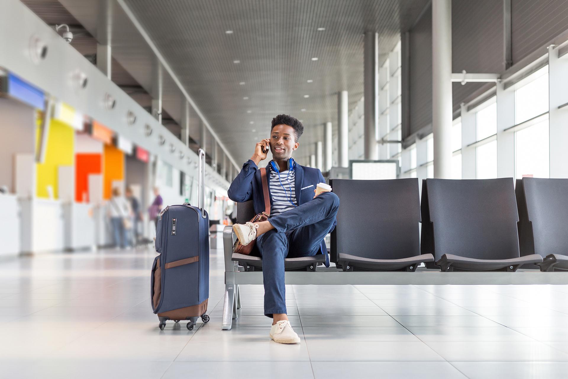 Pasajeros jóvenes demandan más tecnología al volar