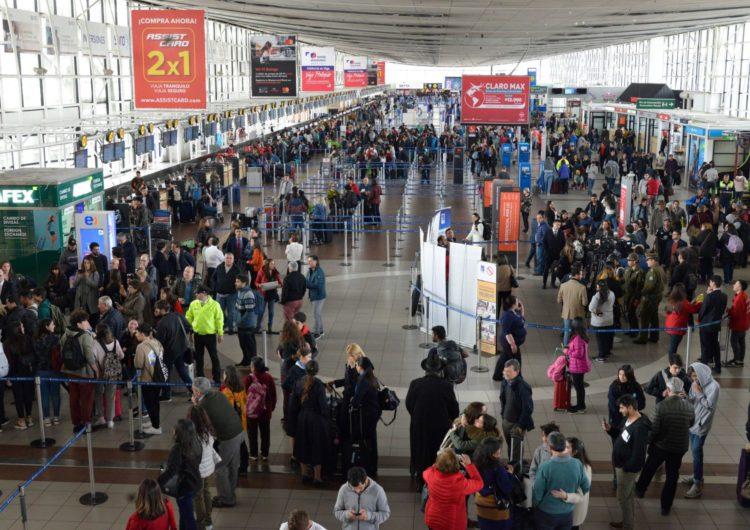 Medidas para disminuir huella de carbono en aeropuerto de Santiago de Chile