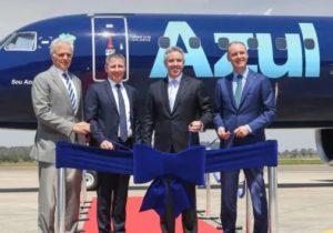 Azul Linhas Aéreas Brasileiras recibe el avión comercial más grande que Embraer ha producido