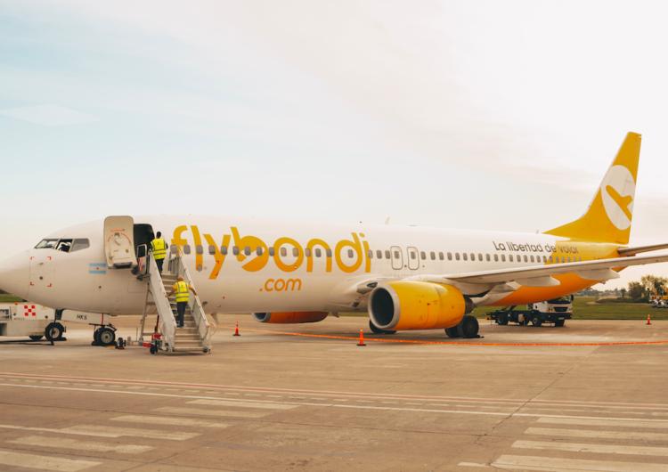 Flybondi reduce actividad desde su base operativa en el aeropuerto El Palomar