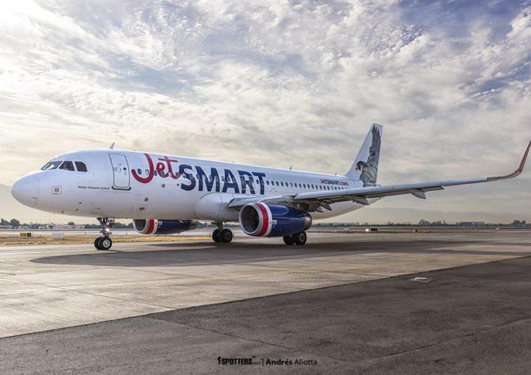 Primer vuelo de JetSMART junto a la Cruz Roja Argentina