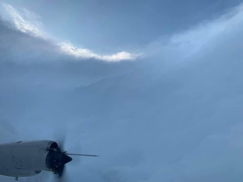 Logran filmar el corazón del huracán Dorian