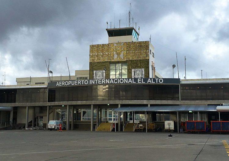 Older 737s banned at La Paz after landing incidents