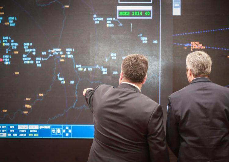 Paraguay inaugura nuevo sistema para el control del tráfico aéreo
