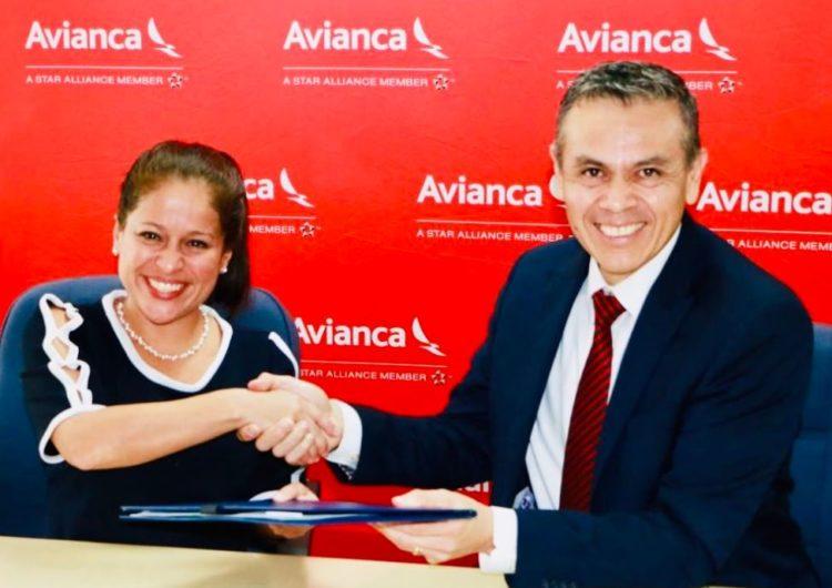 Avianca bajará 25 % precios de vuelos hacia El Salvador