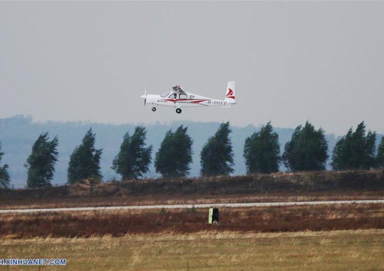 Vuelo inaugural del RX4E, el primer avión eléctrico chino