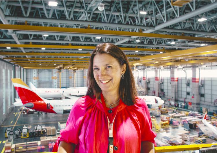 """Iberia lanza el programa """"Quiero ser"""", que fomenta las profesiones aeronáuticas entre las jóvenes"""