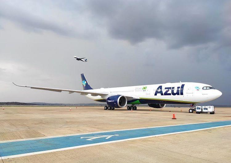 Azul va dejando atrás al COVID-19 y programa más de 300 vuelos diarios para agosto