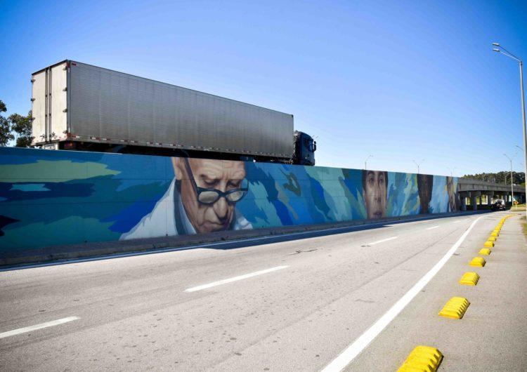 Arte para la bienvenida: nuevos murales en la entrada del aeropuerto de Montevideo