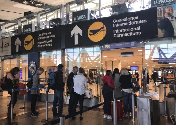 Tráfico aéreo de pasajeros en Chile se desploma 94,5% en abril