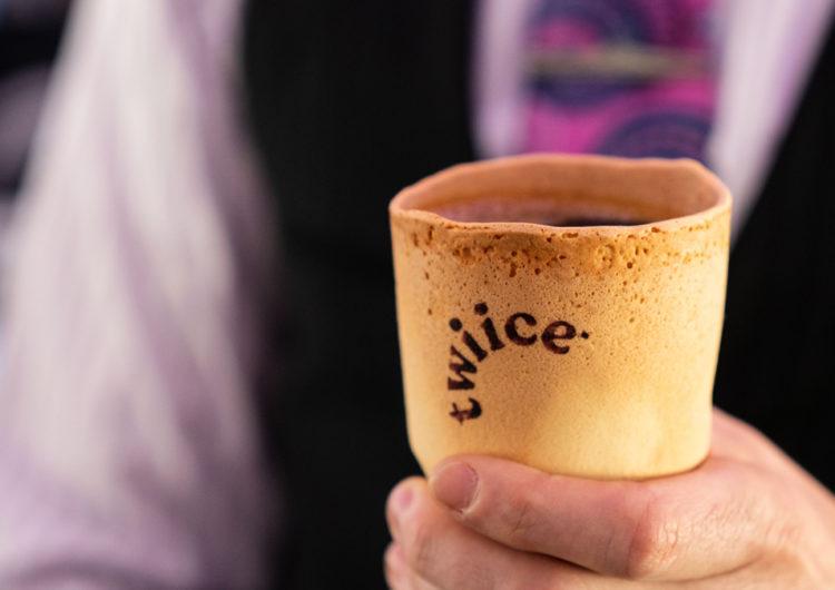 Air New Zealand lanza tazas de café comestibles para sus pasajeros