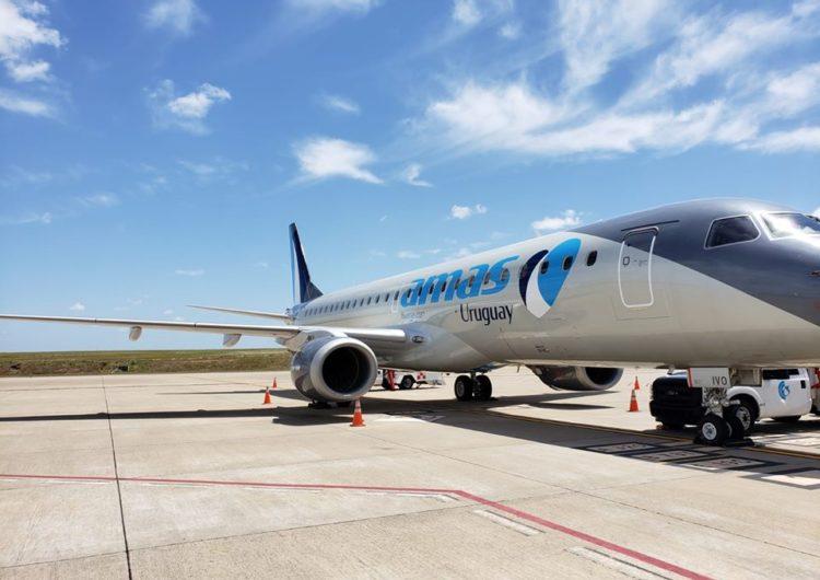 Paraguay celebró la llegada del primer vuelo «burbuja» de Amaszonas-Uruguay