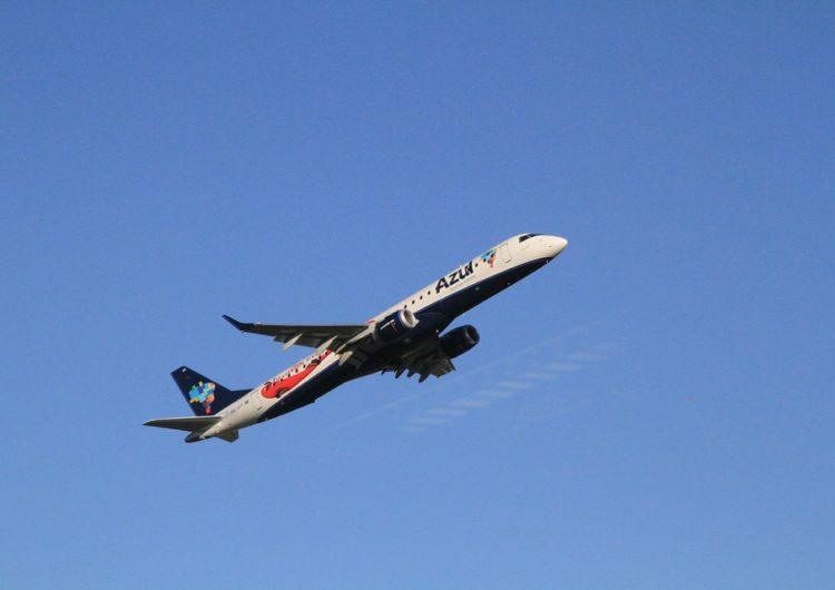 Azul anuncia subarrendamento de 53 Embraer E1s