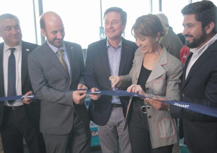 Chile: Ministra de Transportes inaugura primer vuelo internacional desde Concepción a Lima