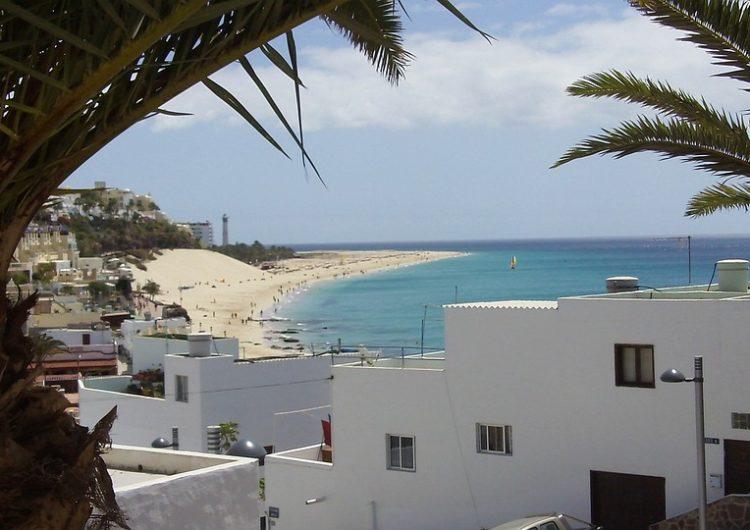 México se acerca a Canarias para atraer turistas