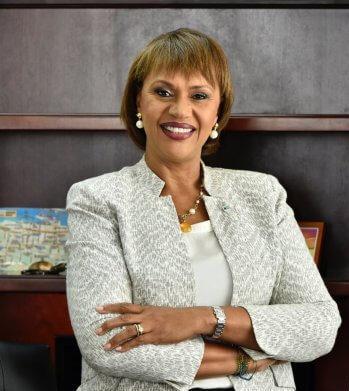 """La Directora General de Turismo de Las Bahamas fue elegida como """"Director de Turismo del Caribe del Año"""""""