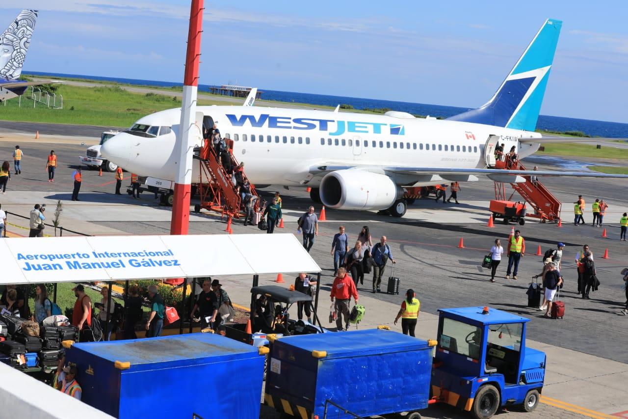 Image result for aeropuerto roatán