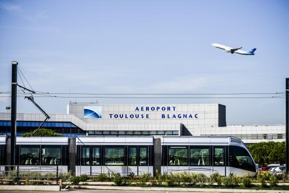 El grupo Eiffage finaliza la compra del 49,9% del aeropuerto de Toulouse-Blagnac