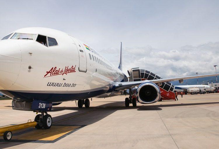 «Alas de Libertad» es el nuevo avión de la aerolínea estatal Boliviana de Aviación