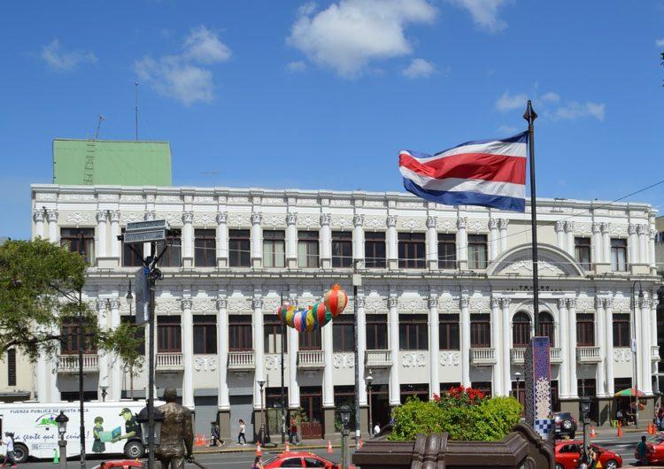 Costa Rica critica cambio de alerta de seguridad para turistas de EEUU