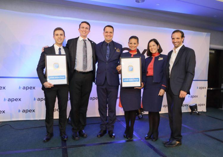 APEX reconoce a LATAM Airlines su esfuerzo por mejorar la experiencia de viaje de sus pasajeros