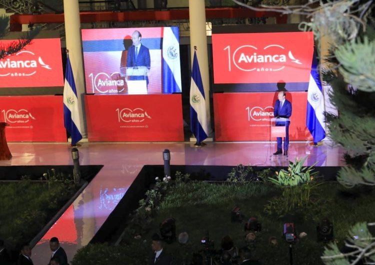 Avianca festeja centenario en El Salvador, su segundo hub más grande en la región