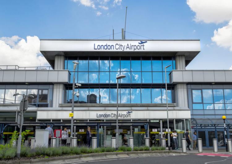 Aeropuerto de la City de Londres reanudará vuelos domésticos a final de mes