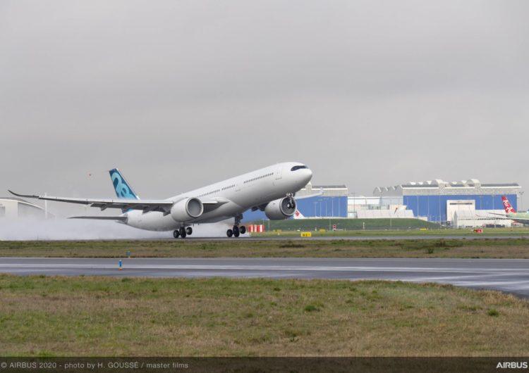 Primer vuelo del A330-900, la nueva variante de peso máximo de despegue de Airbus