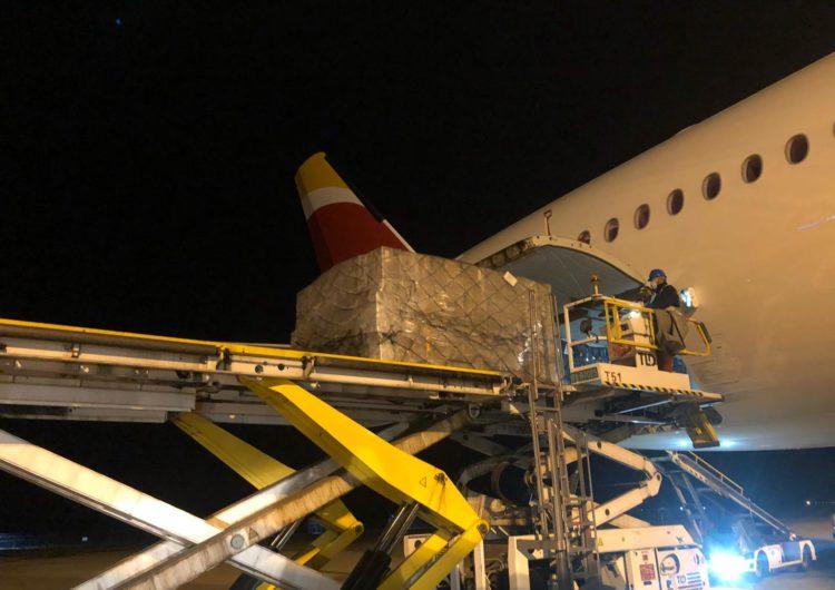 El segundo avión del Corredor Aéreo Sanitario trae otras 30 toneladas de material para hospitales