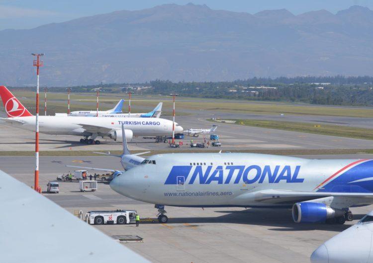 Aeropuerto de Quito: Operaciones de carga son claves para mantener funcionando al sector productor y para importar medicamentos e insumos médicos