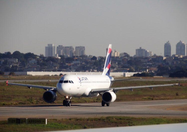 Latam volta a operar voos em Foz na metade de junho