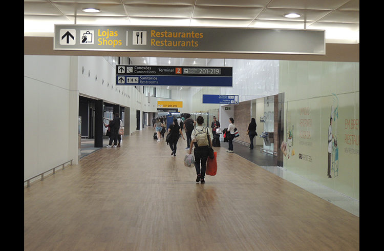 Instalan cámaras térmicas para medir la temperatura de pasajeros en el aeropuerto de San Pablo/Guarulhos