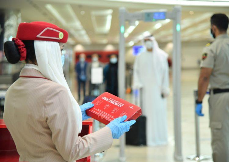 Emirates vuelve a introducir medidas de higiene para combatir la propagación del Covid-19, mientras reanuda sus operaciones