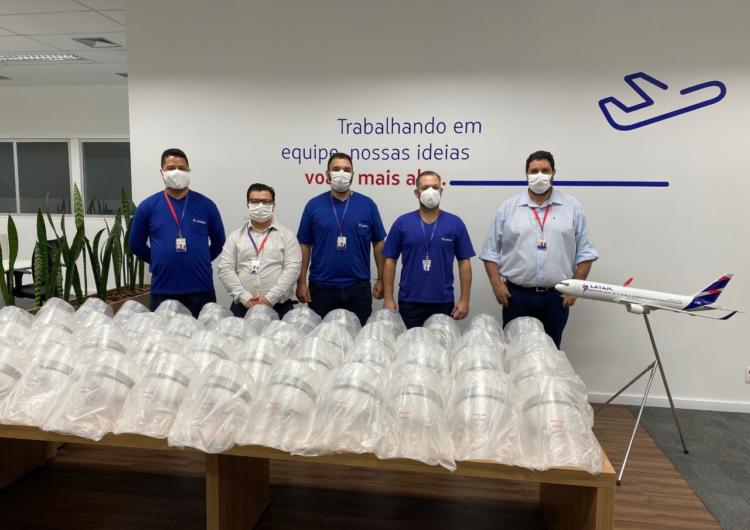 LATAM produz 55 mil máscaras cirúrgicas para doação a hospitais