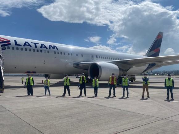 LATAM Airlines Ecuador realizó primer vuelo con carga en cabina de pasajeros