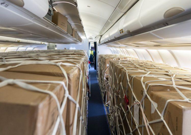 Más de 2.000 aviones de pasajeros convertidos en cargueros improvisados