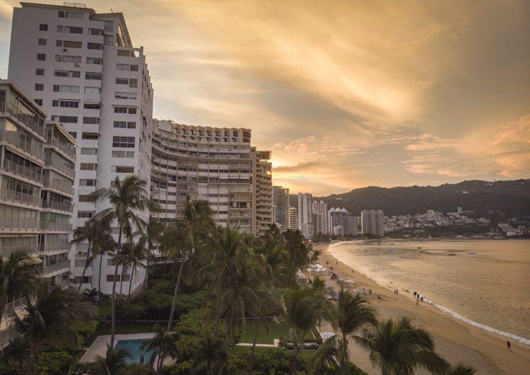 """México: """"Frente del Pacífico"""" busca reactivar economía turística en Playas"""