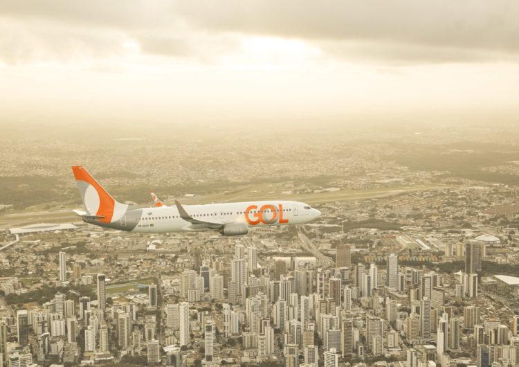 GOL é a primeira companhia aérea brasileira a oferecer tradução em Libras nas aeronaves