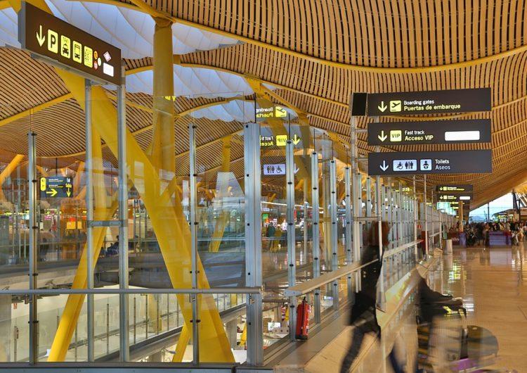Más pasajeros latinoamericanos necesitan PCR para entrar a España
