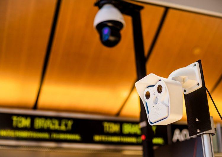Aeropuerto internacional de Los Ángeles instala cámaras para detectar fiebre