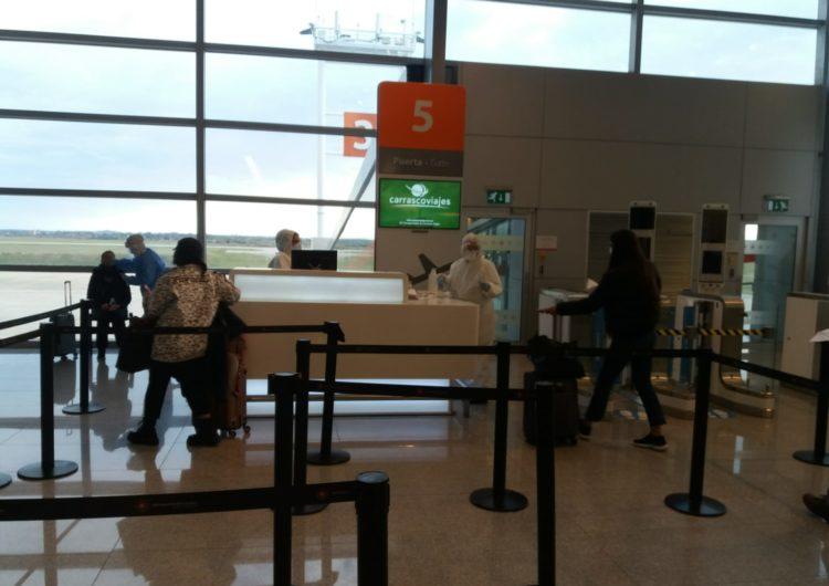 En Uruguay resultaron positivos 0,04% de los pasajeros aéreos desde julio