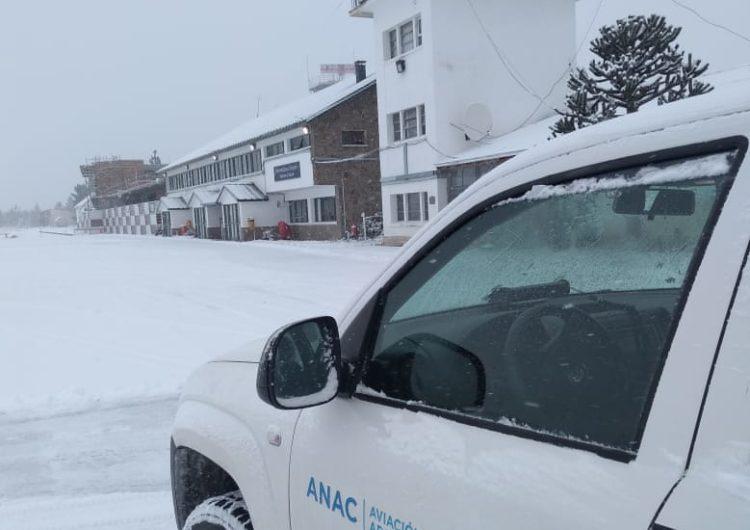 Argentina: Se activa el Programa de Control de Hielo y Nieve en los aeropuertos patagónicos