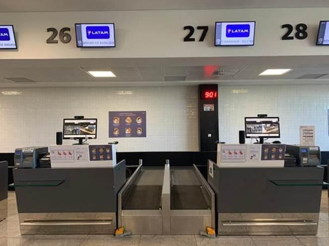 LATAM lança no aeroporto de Vitória atendimento remoto no check-in focado em prevenção contra a COVID-19