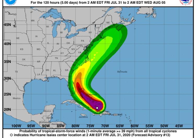 El huracán Isaías se dirige a las Bahamas y Florida